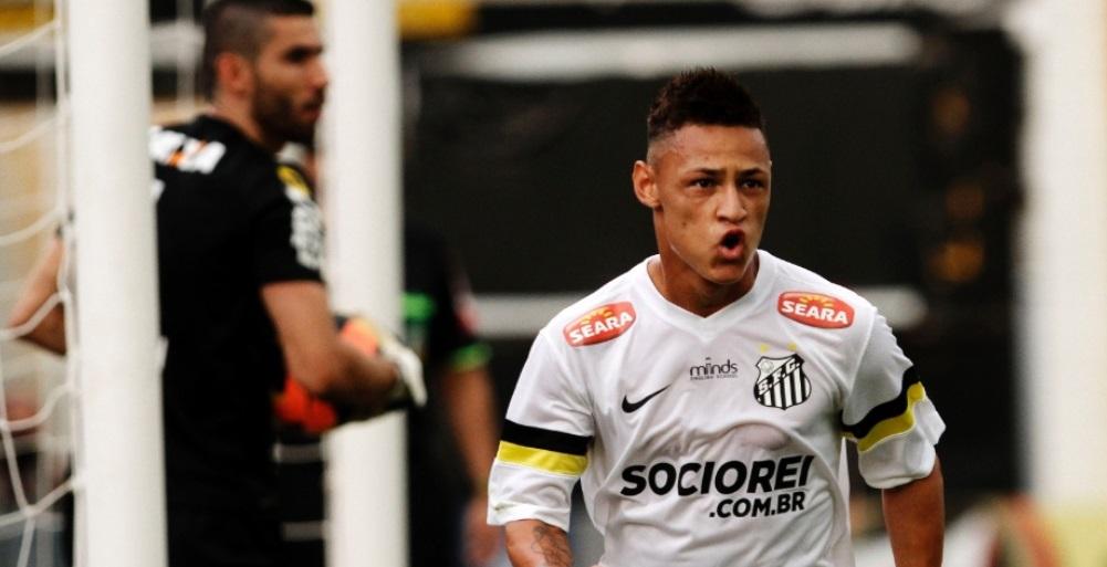 Neilton comemora o primeiro gol da partida contra o Coritiba Leo Pinheiro Futura Press