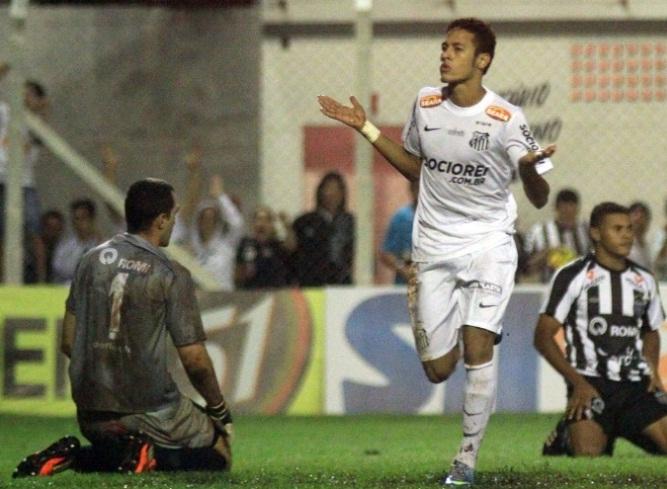 Neymar faz quatroe Santos goleira o rebaixado Barbarense