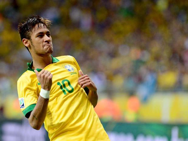 Neymar comemora golaço de falta. Foto: Ricardo Matsukawa / Terra