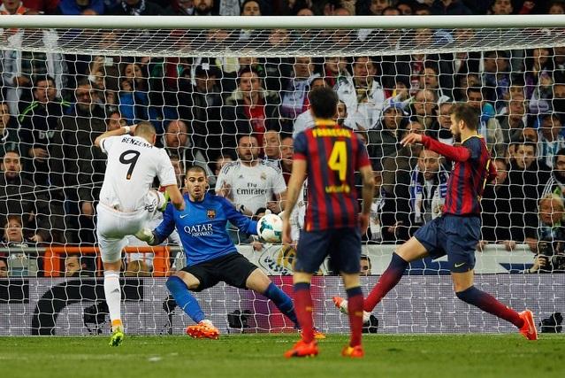 O sempre perigoso Benzema fez dois gols na partida. (Foto: AP)