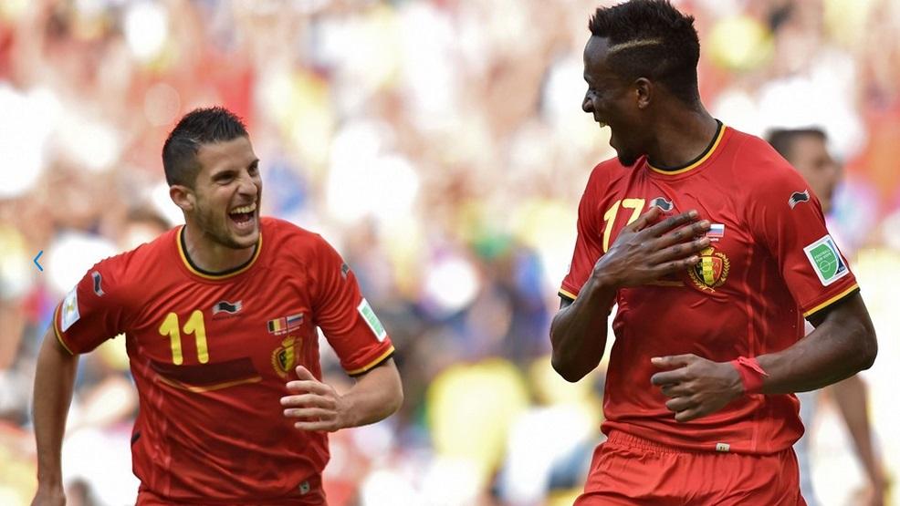 Origi comemora seu gol aos 43 minutos do segundo tempo com Mirallas. (Foto: Getty)