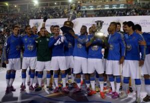 Jogadores do Palmeiras comemoram com o Troféu Julhinho Botelho. Foto: Alan Morici / Terra
