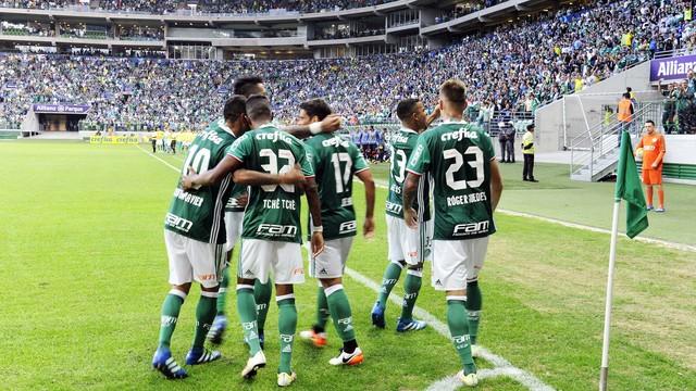 Jogadores comemoram no Allianz Parque. Foto: Marcos Ribolli