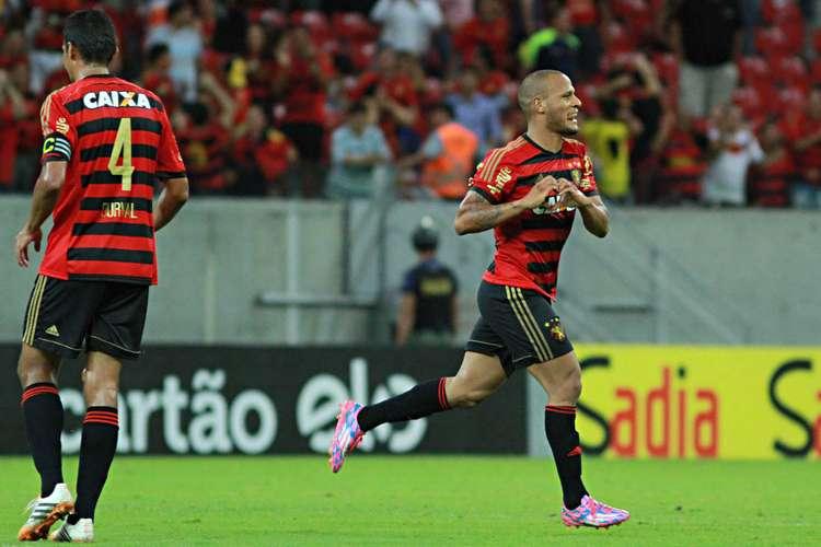 Patric comemora o segundo gol do Leão. Foto: Renato Spencer / Getty Images