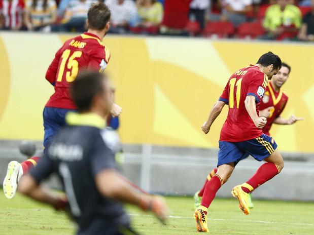 Pedro comemora o primeiro gol da Espanha contra o Uruguai. Foto: Marcelo Pereira / Terra