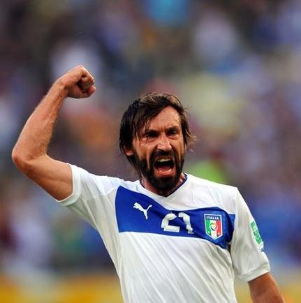 Pirlo vibra com gol marcado de falta Getty Images