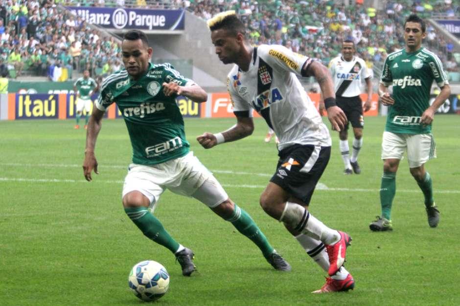 Rafael Silva, mais uma vez, mostrou que tem estrela. Foto: Paulo Fernandes / Vasco.com.br