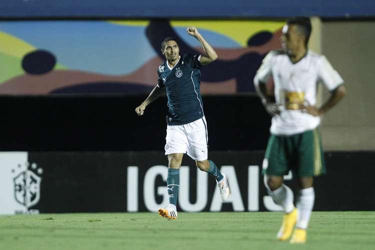 Ramon comemora o primeiro gol esmeraldino. Foto: Adalberto Marques / AGIF / Gazeta Press