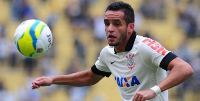 Recuperado, Renato Augusto jogou como titular e agradou a torcida que foi ao Pacaembu. (Foto:Junior Lago/UOL)