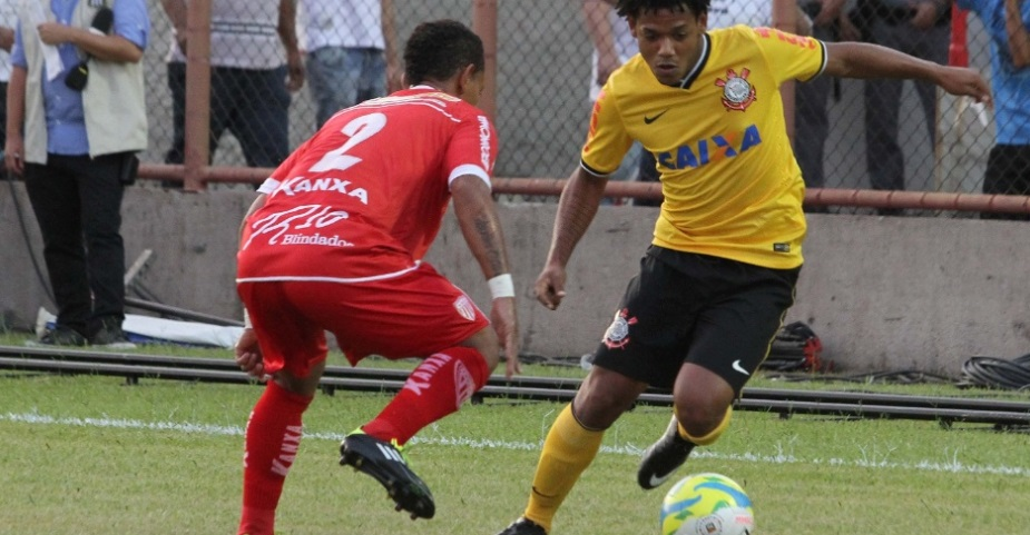 Romarinho passou mais um jogo em branco, agora contra o Mogi. (Foto: Léo Santos / Futura Press)