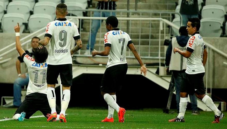 Romero comemora seu primeiro gol com a camisa do Corinthians. (Foto: Ricardo Matsukawa / Terra)