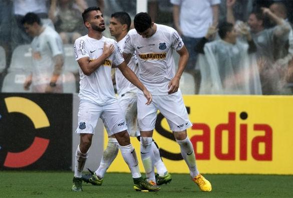 Thiago Maia comemora o primeiro gol do Peixe. Foto: Ivan Storti/ LANCE!Press