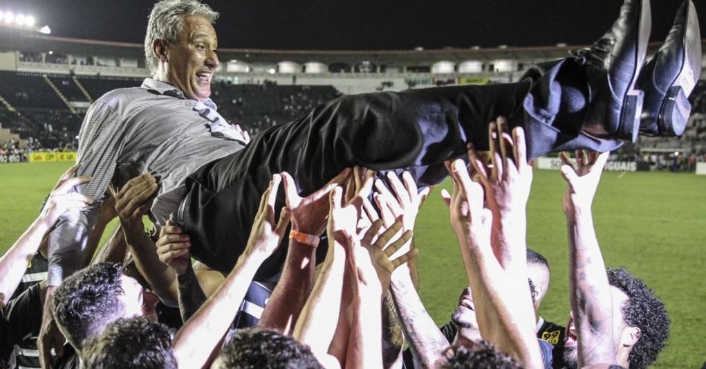 Tite comemora mais um titulo pelo Corinthians