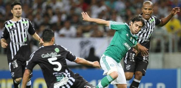Duelo marcou o retorno do chileno Valdivia ao verdão. Foto: Cesar Greco / AE