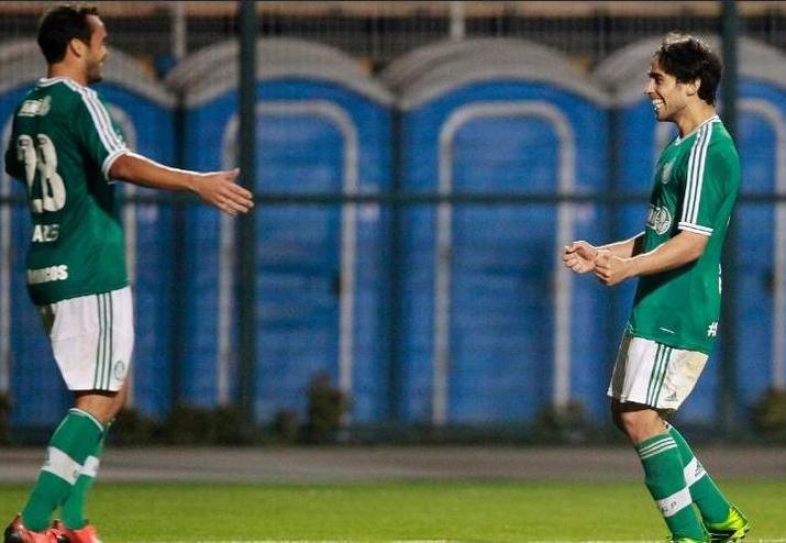 Valdivia foi o destaque do Palmeiras no jogo. Foto: Reinaldo Canato / UOL