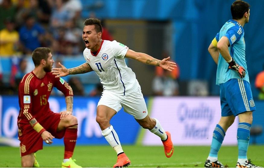 Vargas comemora gol contra Espanha.