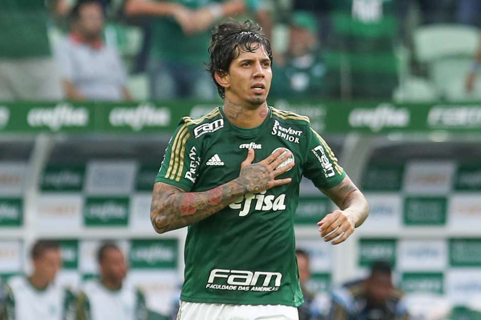 Victor Ramos deixou sua marca de cabeça. Foto: Marcello Zambrana / AGIF / Gazeta Press
