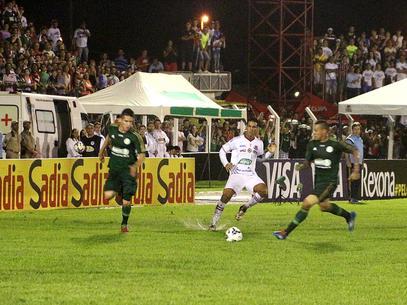 Gramado ruim prejudicou a atuação palmeirense. Foto: Futura Press