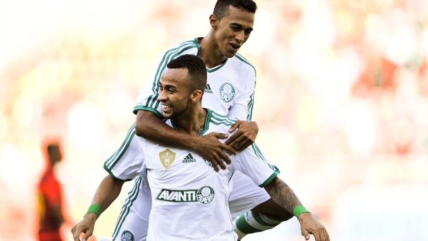 Wesley comemora o primeiro gol da partida. Foto: Gazeta Press
