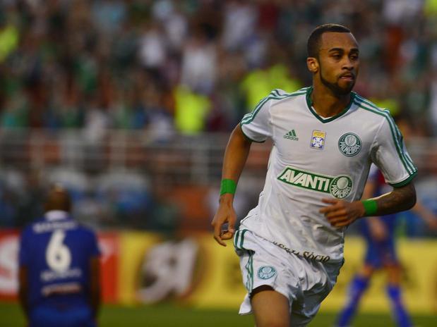 Wesley marcou o gol da vitória do verdão, naquela que pode ter sido a sua despedida do clube. Foto: Marcelo Pereira / Terra