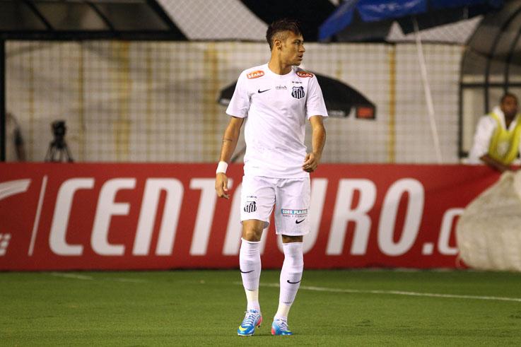Neymar fez nova partida apagada na VIla (Mauricio de Souza/VIPCOMM)