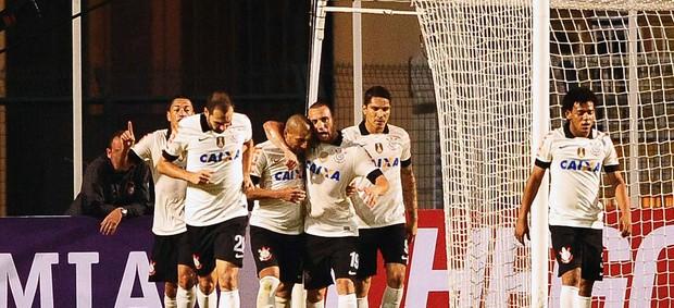 Emerson abriu o placar para o Corinthians. (Foto: Marcos Ribolli)