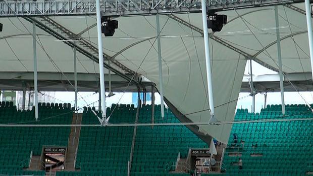 Arena Fonte Nova, Lona danificada após chuvas. (Foto: Instagram)