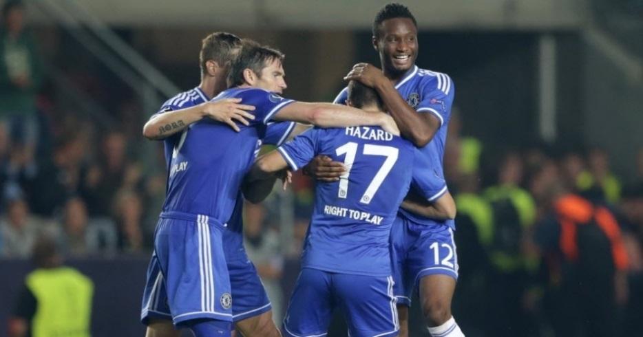 Hazard colocou Chelsea na frente mesmo com dez em campo. (Foto: Getty)