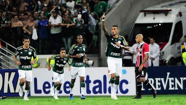 Rafael Marques foi o destaque do clássico marcando duas vezes. (Foto: Reprodução)