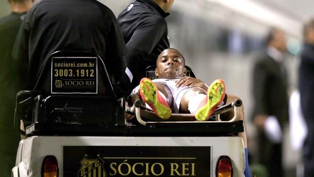 Robinho sente musculo posterior da Coxa e sai da partida. (Foto: Getty Images)